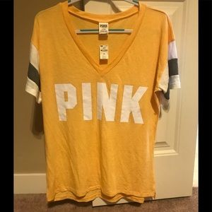 💙🌸 Victoria's Secret Pink Top NWT!